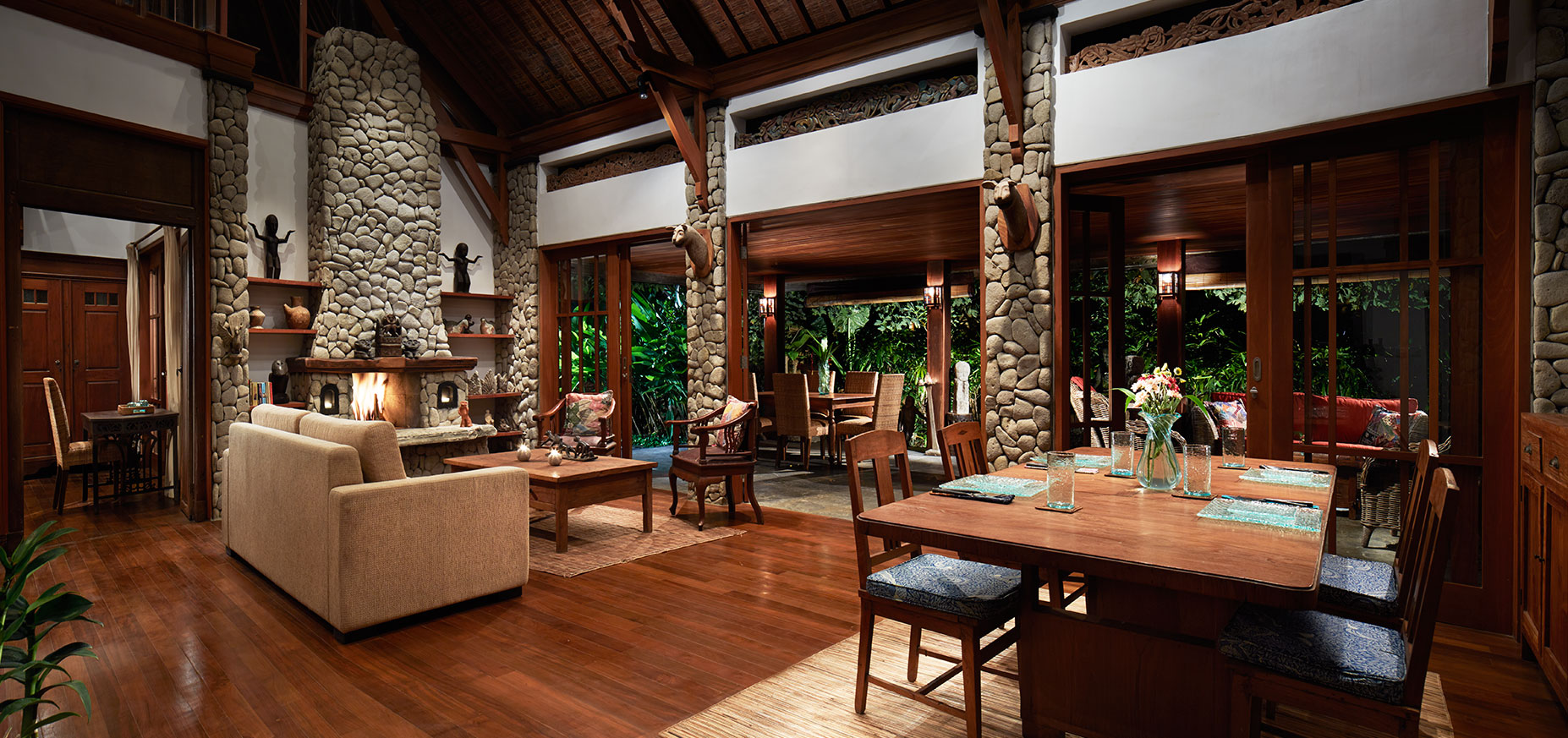 Villa Shanti Living and Dining Ubud Bali